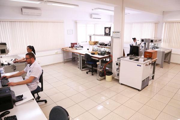 <b>Pressure Calibration Laboratory</b>