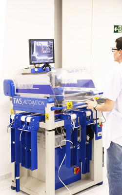 <b>Soldering machine</b><br>Enables increased productivity with high finish.