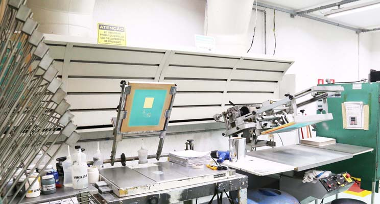 <b>Silk Screen</b><br>Silk Screen printing services to meet the various specialties of Presys products.